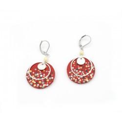 Boucles d'oreille confettis, cuir rouge et perles naturelles, moyen format